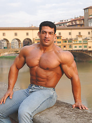 Strong bodybulder Tarek