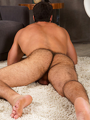 Muscular guy Randy solo pictures