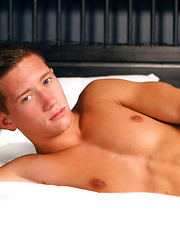 18-year-old jock Tyler Hill is this intimate solo jerk off
