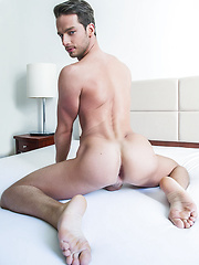 Damon Heart Takes Letterio Amadeo's Raw Uncut Cock